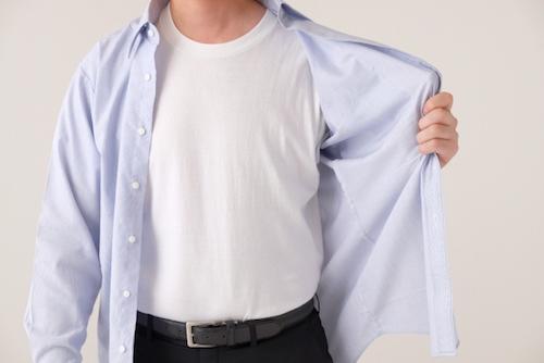 服装が不潔そうに見える男性も注意
