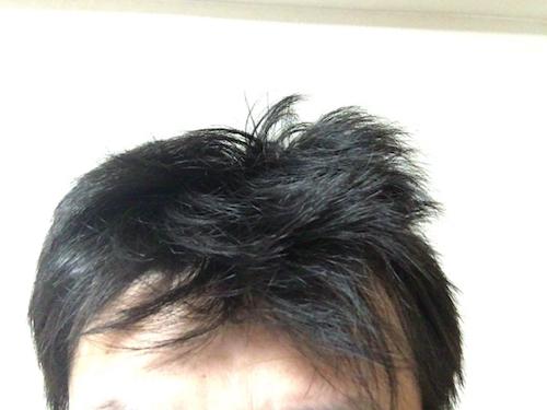 寝癖のままボサボサな髪型